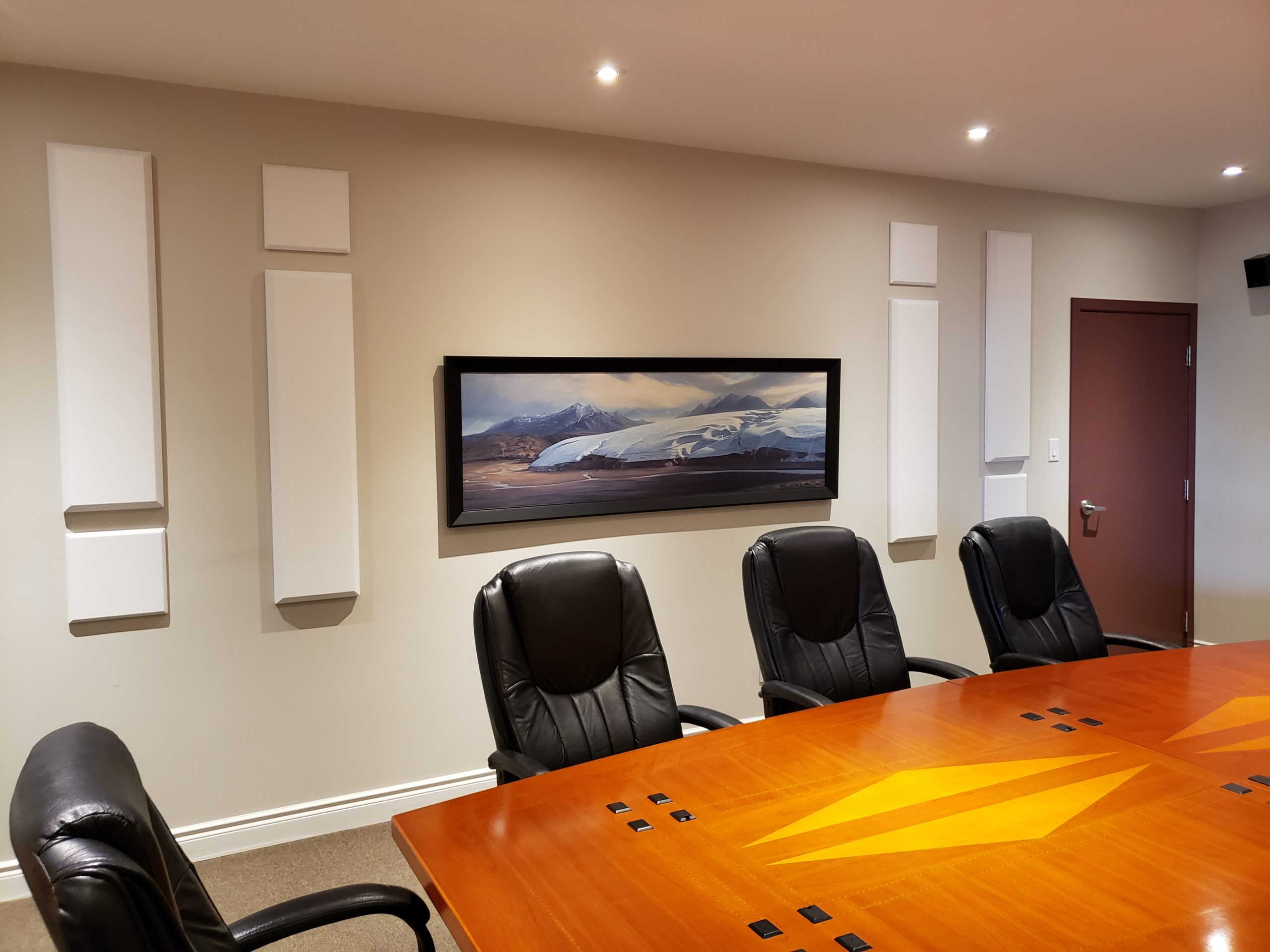Board room equipped with broadway sound panels