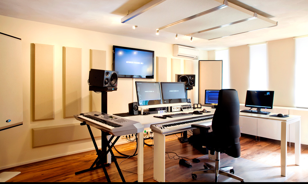 Studio with bass trap broadway columns and saturna ceiling