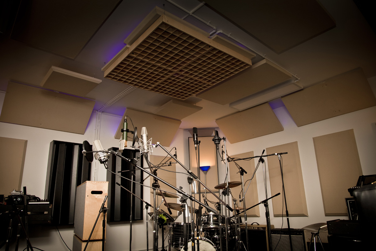 90 Studio Training Facility Acoustic Solutions Stratus Broadway Radiator Razerblade