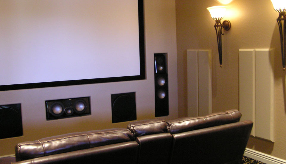 London 8 Room Kit columns in home theatre